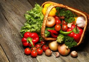 O transporte e o armazenamento corretos dos alimentos previne contaminações Foto: Shutterstock